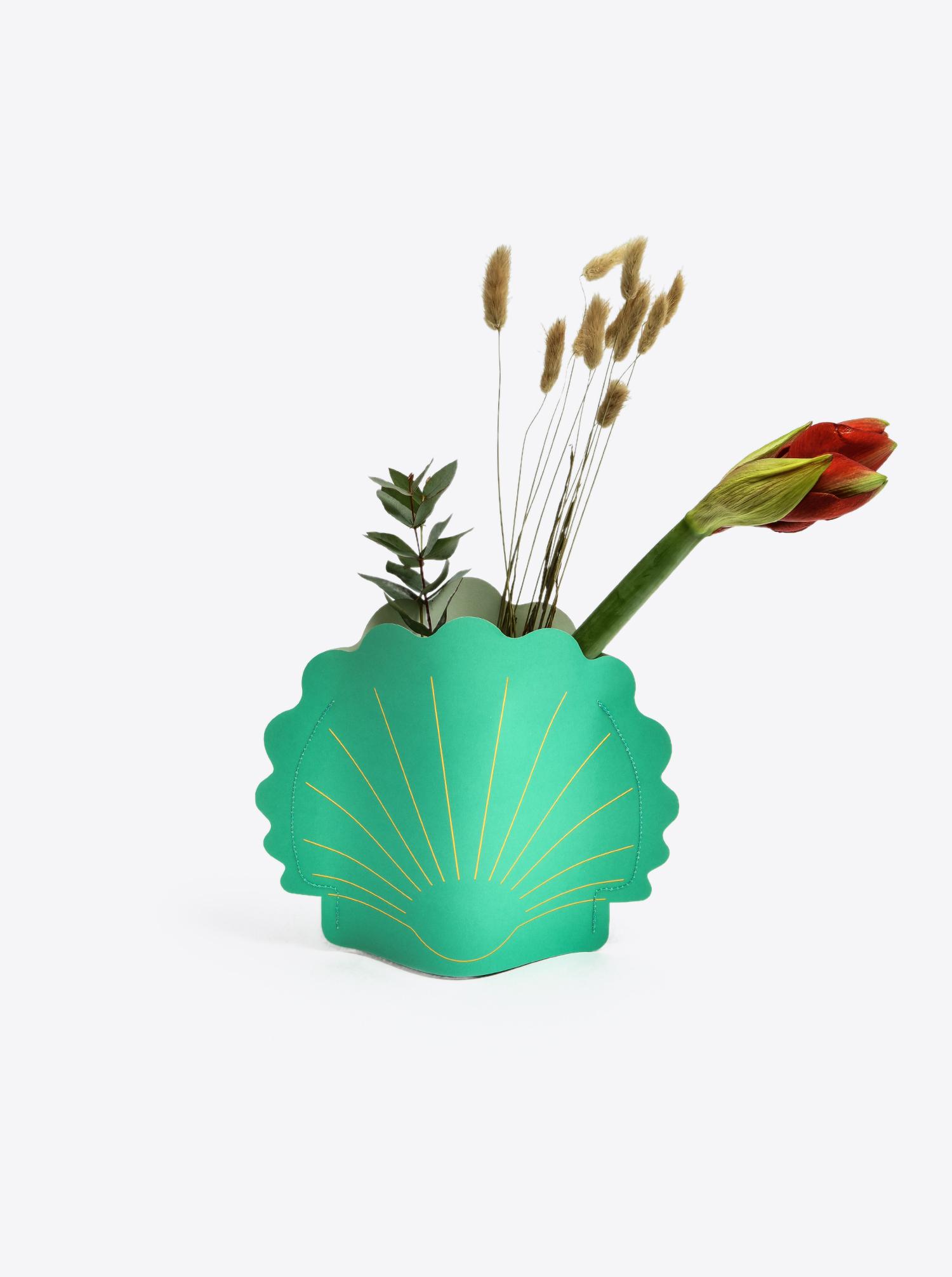 "Paper Vase ""Hera"" green"
