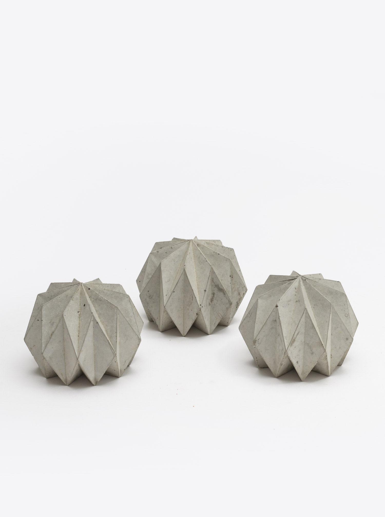 """Paperweight """"Origami"""" Concrete"""