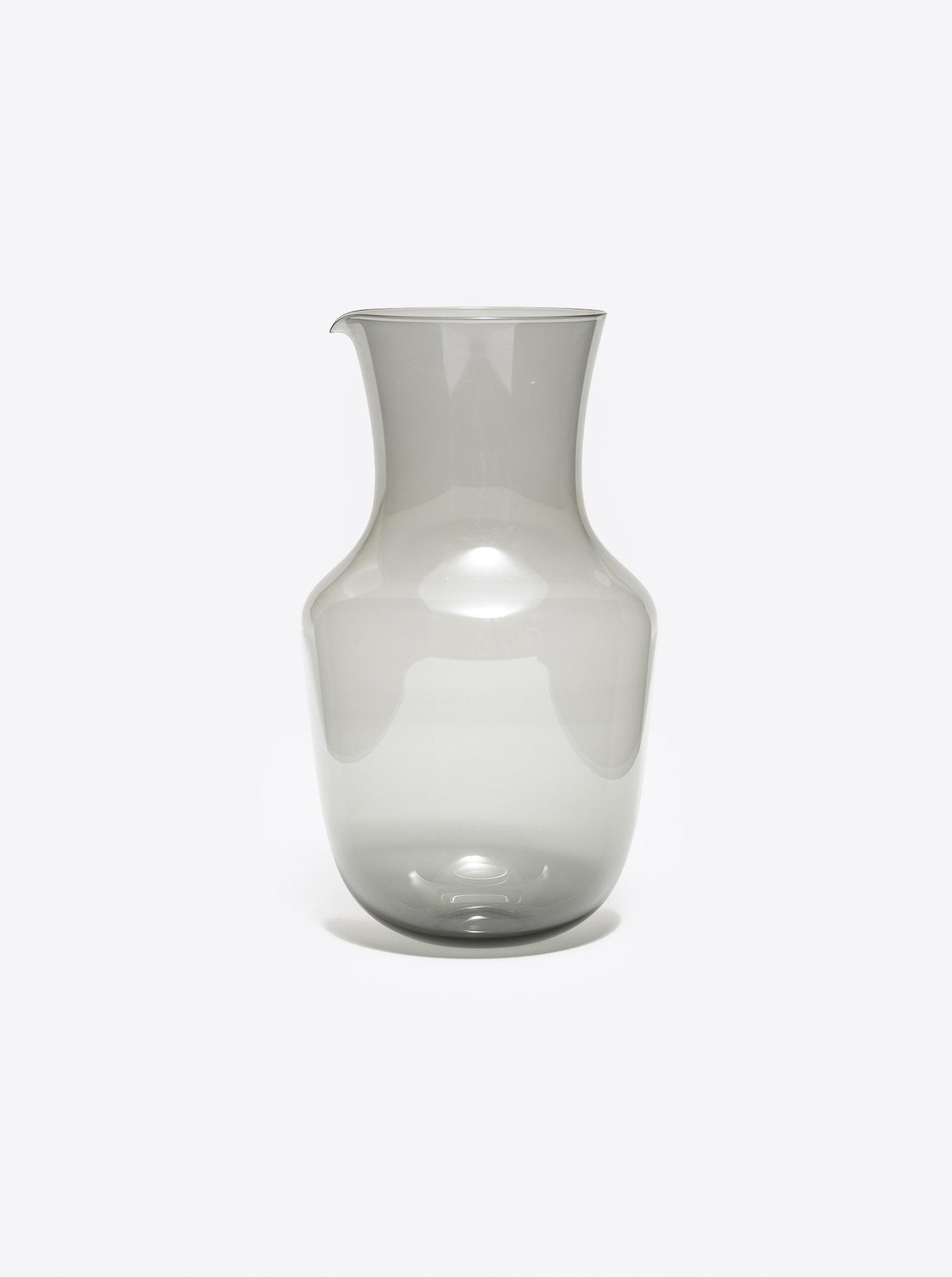 Karaffe Alpha Glas grau