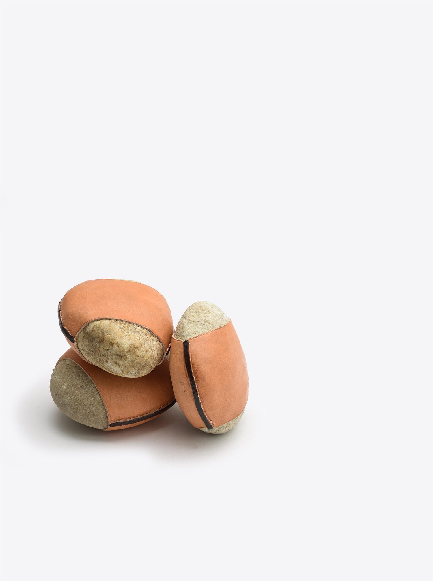 Briefbeschwerer Stein mit Leder