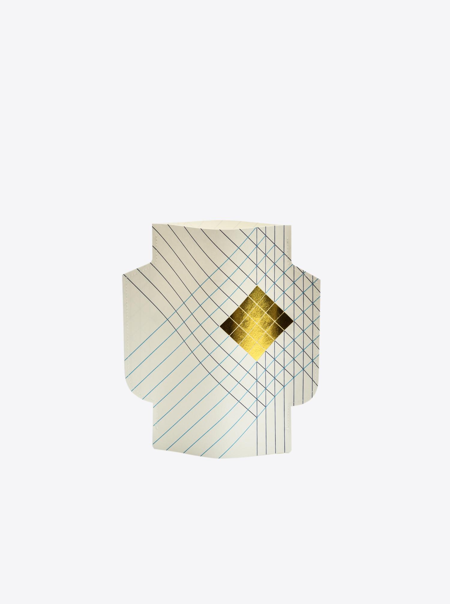 """Paper Vase """"Nomade"""""""